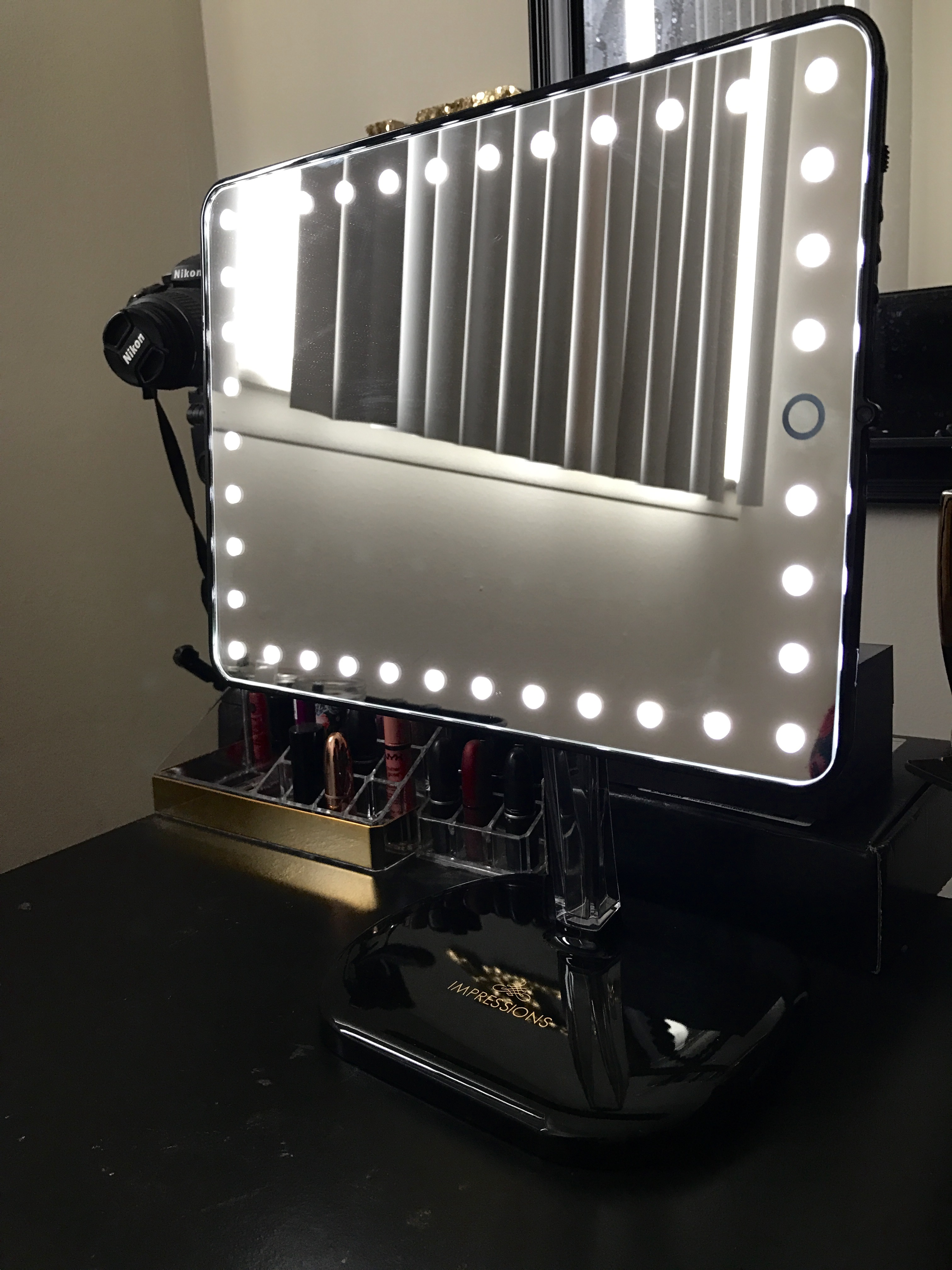 Impressions Vanity Touch Led Makeup